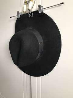 H&M Black Floppy Hat
