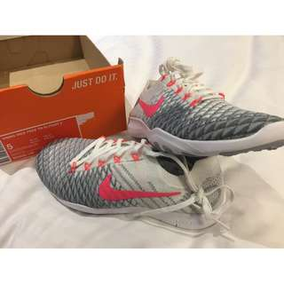 Nike Free TR Flyknit 2 white hyper punch wolf grey womens shoes US 5 BNEW