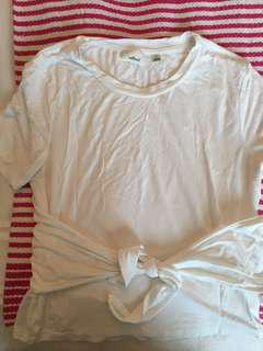 White tee with wrap up