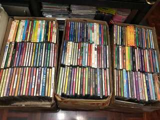 (18 August 2018 )300多套大部份絕版八丶九十年代港產片,電視劇VCD及陪份絕版演唱會VCD