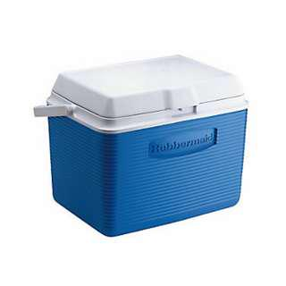 RUBBERMAID 24QT COOLER STAIN AND ODOR RESISTANT BFA FREE HOLDS 30 CANS. AVAILABLE IN BLUE AND RED COLOR