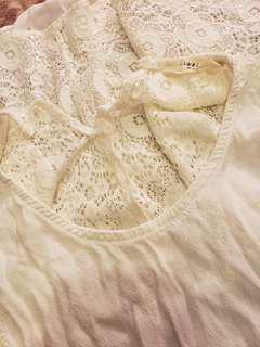 Lace sleeveless top medium size