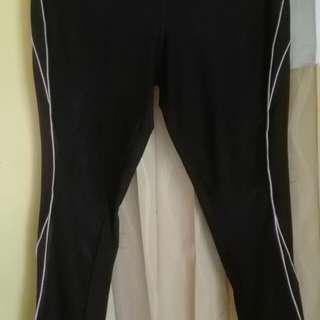 Celana olahraga hitam list pink