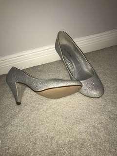 Sparkly heels *size 7.5*