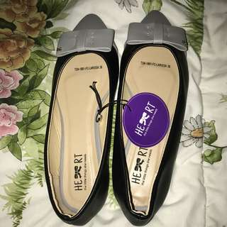 Flatshoes the little think she need black grey new