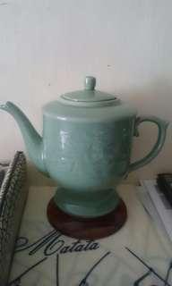 龍泉青瓷壶