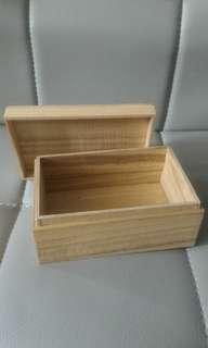 載禮物木盒