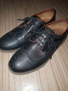 COLE HAAN INSPIRED BLACK SHOES