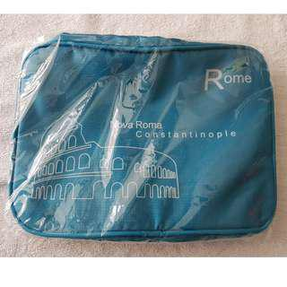 Toiletries bag with hanging hook