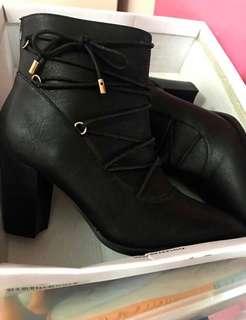 靚到抽筋日本🇯🇵女裝短靴boots ribbon