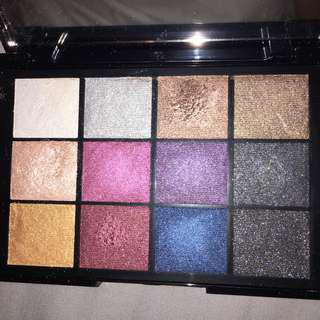 KIKO 12 shimmer Eyeshadow pigment