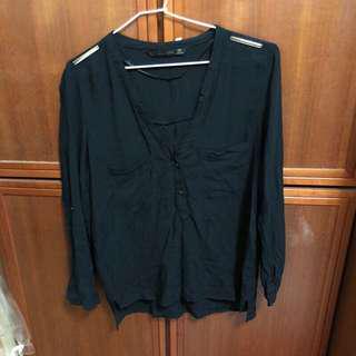 Zara 秋裝  Basic v領 氣質 辦公室 薄 黑長袖 上衣 金色鐵牌 二手近新