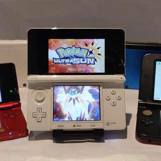 Nintedo 3DS (Modded) + 25 Games + Pokemon Ultra Moon / Sun (Handheld Game Console)