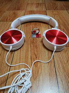 Headphone wtih free key ring