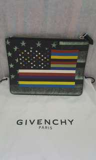 🚚 💯Authentic BN Givenchy Pouch (Retail $850)