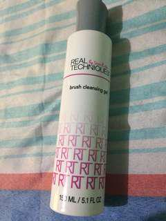 Real techniques brush shampoo