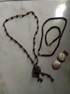 Set of Fresh Pearls Necklace, pendant and Bracelet