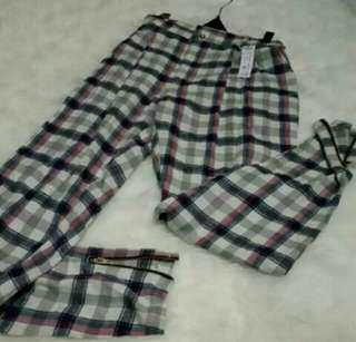 Celana tartan