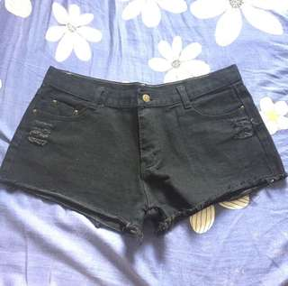 黑色低腰短褲 black low waist short