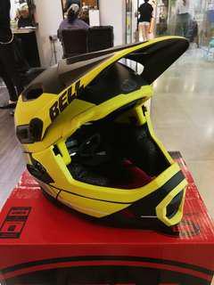 Bell super dh helmet MIPS (L) Bell MTB helmet