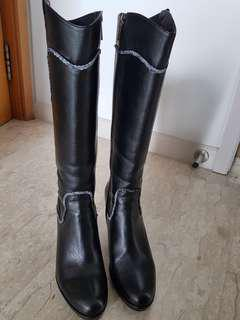 Leather woman boots