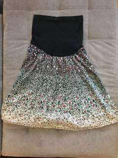 Maternity skirt sz S. Waist and hip is stretchable #50under