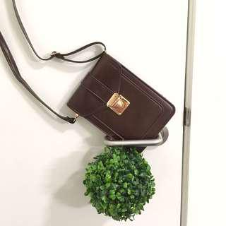 Small Vintage brown pouch