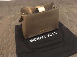 MK Gold Bag Brand New 💯% AUTHENTIC