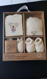 Newborn gift set 4 piece 100% cotton