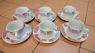 Set of cups amd saucers