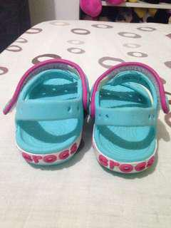 RUSH Pre-loved Crocs for 1 year old 2 for 1K only!!