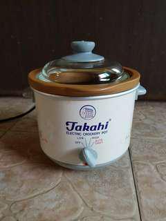 Takahi electric crockery pot / slow cooker 1.2L