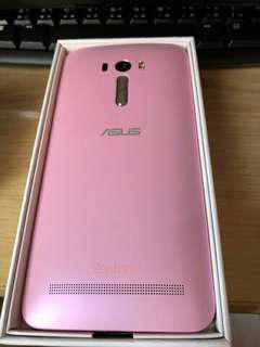 🚚 4G ASUS ZENFONE SELFIE 16G/3G(95% NEW) with BOX plus ORIGINAL CHARGER.