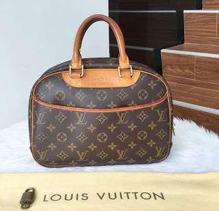 LV bag (authentic)
