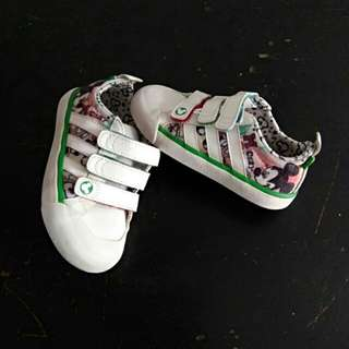 Preloved sepatu baby adidas Disney original