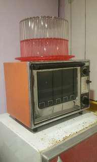 Vintage oven (rental only)