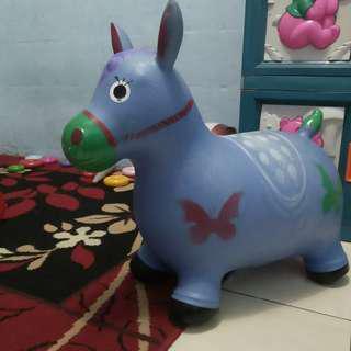 Kuda kudaan karet