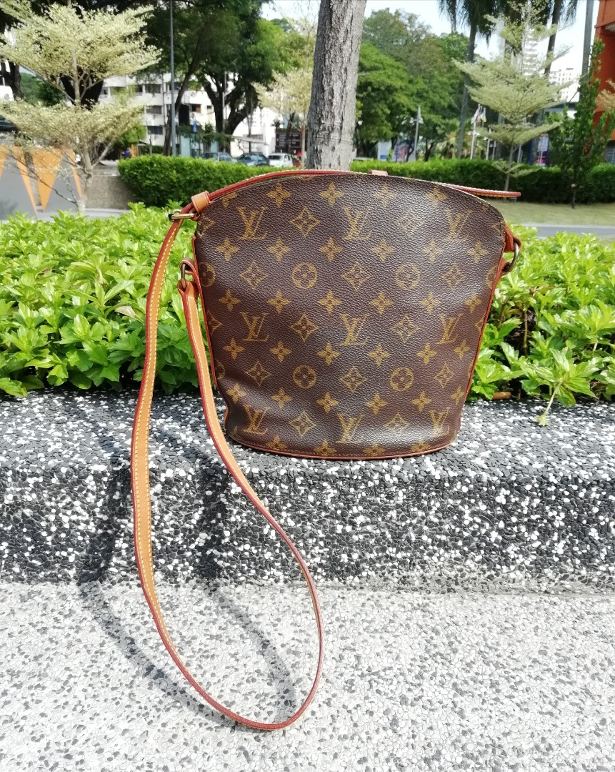 fa58b347acd2 Authentic Vintage Louis vuitton Monogram drouot bag