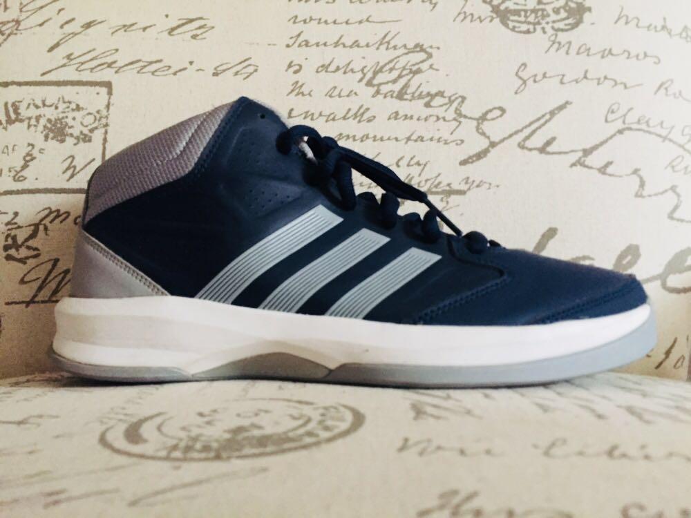 Sepatu basket ADIDAS 76c2a36e06