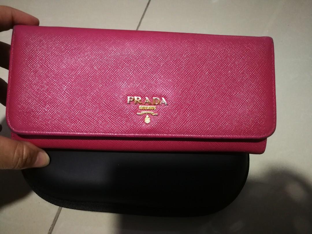8b849439 Used Authentic Prada Saffiano Wallet