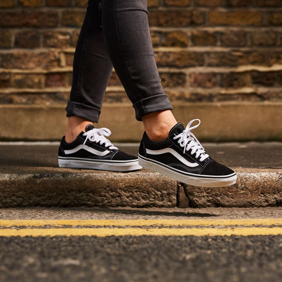 50680b7909 Vans Old Skool Black