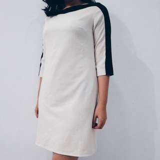 White- Black List Long Sleeve Semi Formal Dress