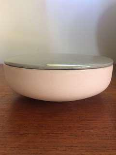 grey and pink bowl