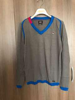 Lee V neck Sweater