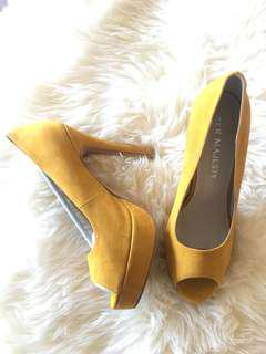 Ladies Mustard Heels - Brand New With Tags *Size 8*
