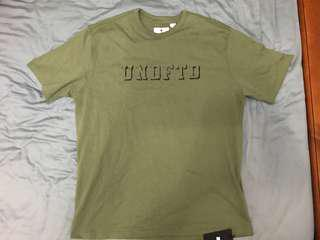 size 40 2bb7b 61149 Undefeated Crew Olive t-shirt M BNWT