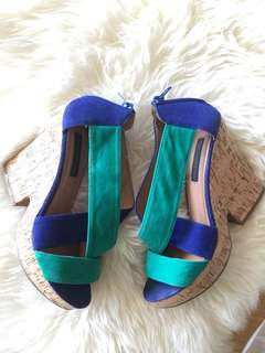 FOREVER NEW Ladies Wedges - Size 38 (7)