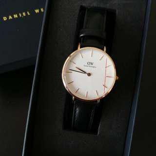 [Price Reduced] Daniel wellington 32mm Classic Sheffield