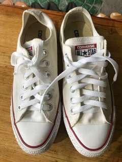 Pre-loved Converse