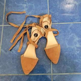 Flat Shoes With Ribbon Strap